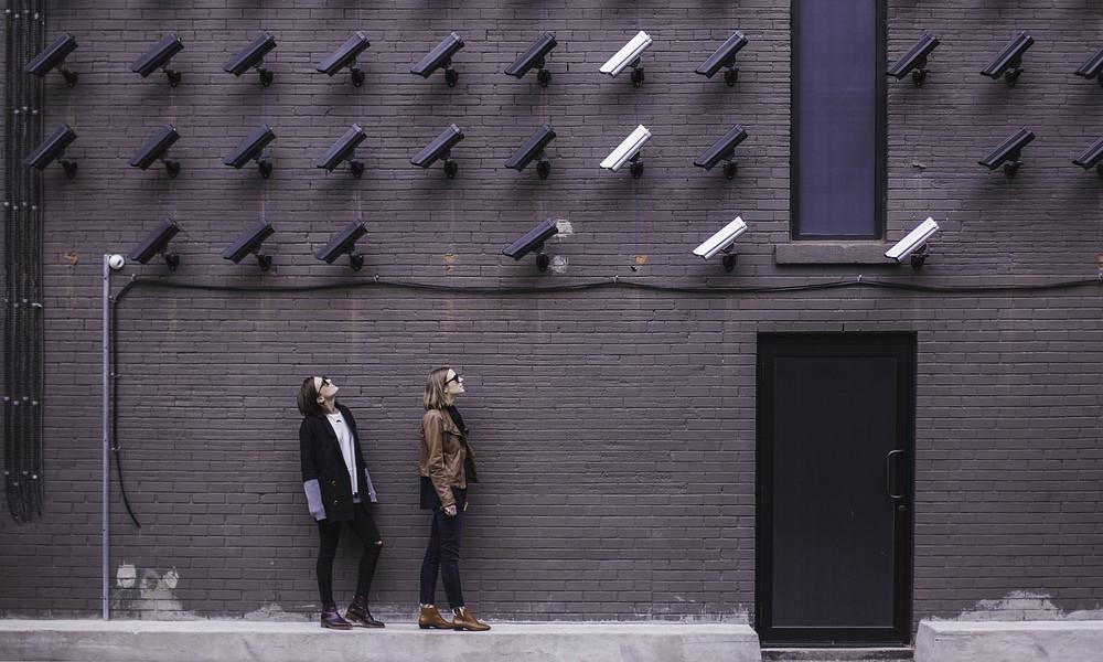 El director de Microsoft® cree que necesitamos regular el reconocimiento facial