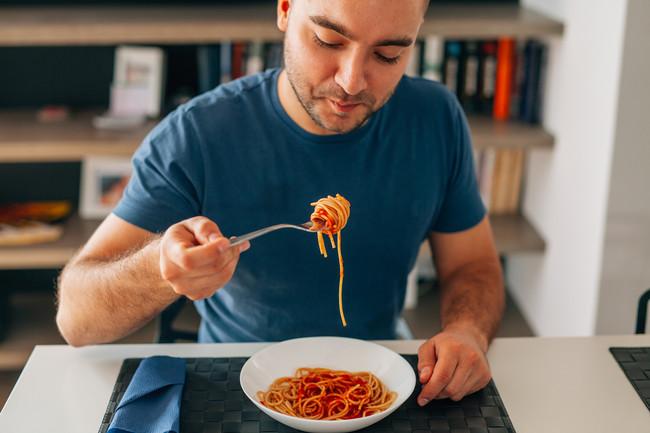 comer-alimentacion-hombre