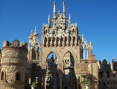 1024px Castillo Monumento Colomares