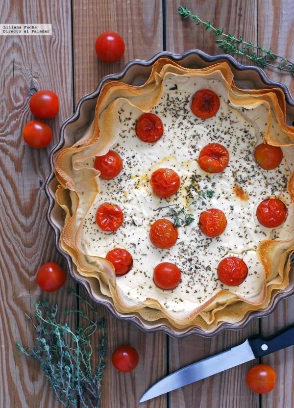 Tarta salada de yogur y queso de cabra con tomatitos de Directoalpaladar.com