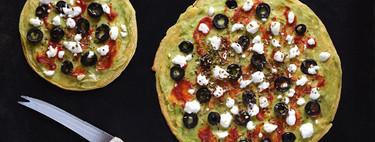 Pizzetas de harina de garbanzos con crema de aguacate: receta saludable