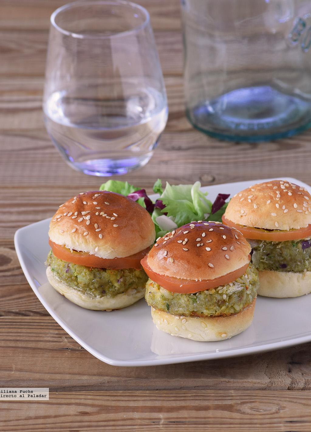 Mini hamburguesas de aguacate y quinoa Receta de cocina