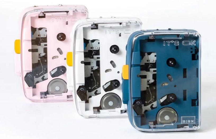 Igual nos estamos pasando de nostalgia: este reproductor de cassette con Bluetooth es el último intento de combinar viejo y nuevo