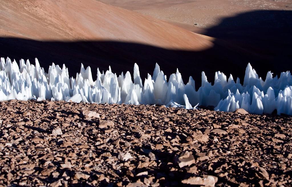 Permalink to Aterrizar en Europa, la luna de Júpiter, va a ser complicado por las enormes torres afiladas de hielo que alberga