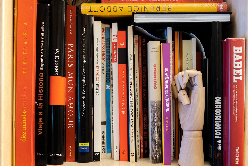 Homenaje a los libros de fotografía que inundan nuestras bibliotecas