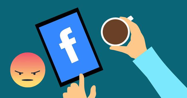 Facebook Enfado Encuesta