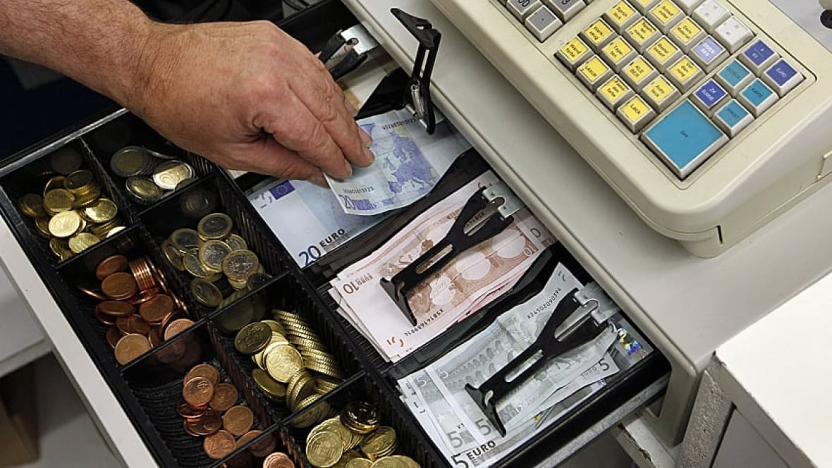 Stores ditch cash registers for new technology  Business