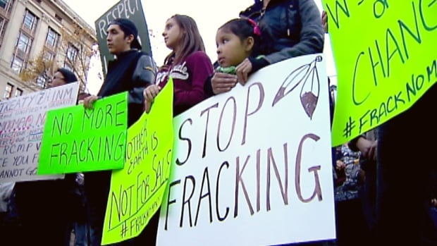 Demonstrators rally in Calgary to show support for members of the Elsipogtog First Nation, who have been protesting seismic testing in New Brunswick. (CBC)