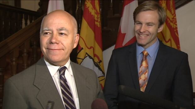 Premier-designate Brian Gallant announced on Friday that Green Party Leader David Coon will be granted official party status in the upcoming legislature.