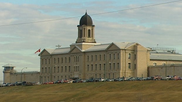 Canada's prison watchdog says that for the first time aboriginal people make up more than a quarter of inmates in federal jails.