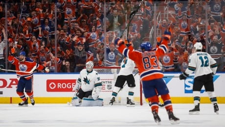 oilers-sharks-042017-620