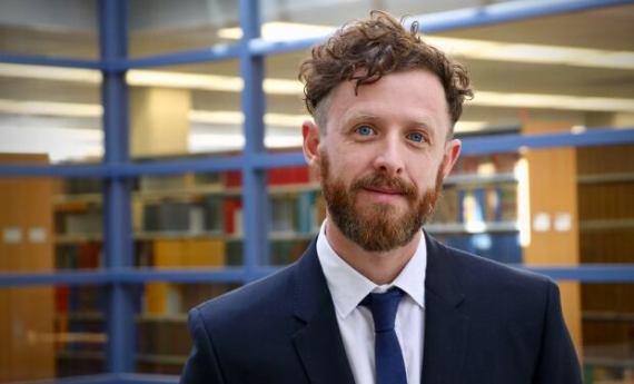 Matthew Herder Professeur agrégé, Facultés de médecine et de droit Dalhousie University