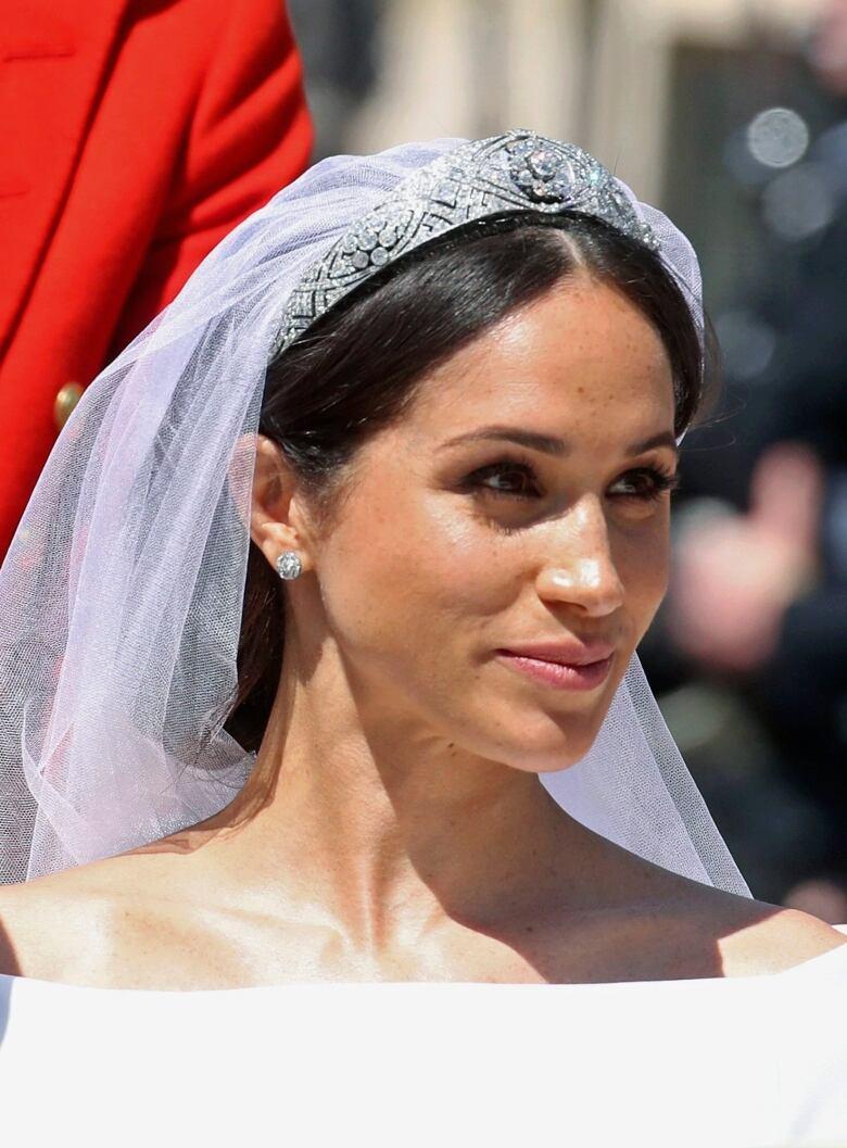 Meghan S Wedding Dress Prince Harry S Military Uniform And
