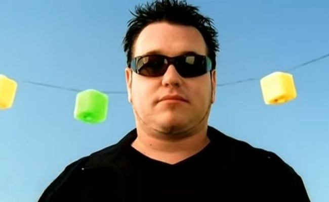 A Screenshot From The Video For Smash Mouth S 1999 Hit All