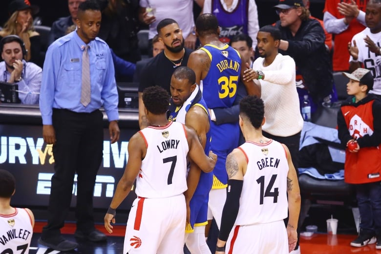 raptors wariors 061019 - Drake joined by Gretzky, Vince Carter and other celebrities for Game 5