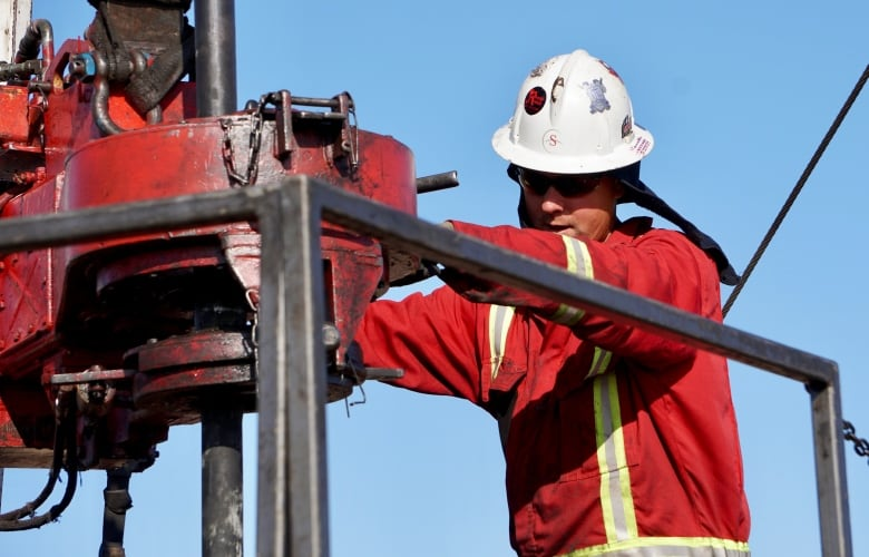 Canadian oil companies start revealing their profit numbers — and they won't be pretty 2