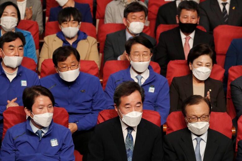 South Korea legislative election features surprising turnout despite coronavirus 4