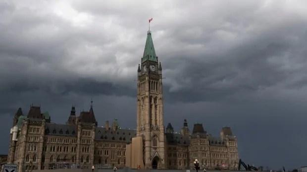Parliamentary budget officer rebukes Trudeau government over spending secrecy | CBC News