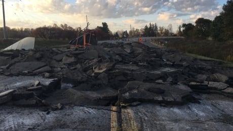 Six Nations members expand road blockades around land reclamation camp in Caledonia, Ont.