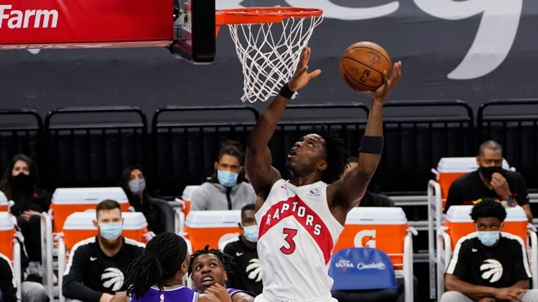 Lowry out, but Raptors roll to franchise scoring record in rout of Kings |  CBC Sports