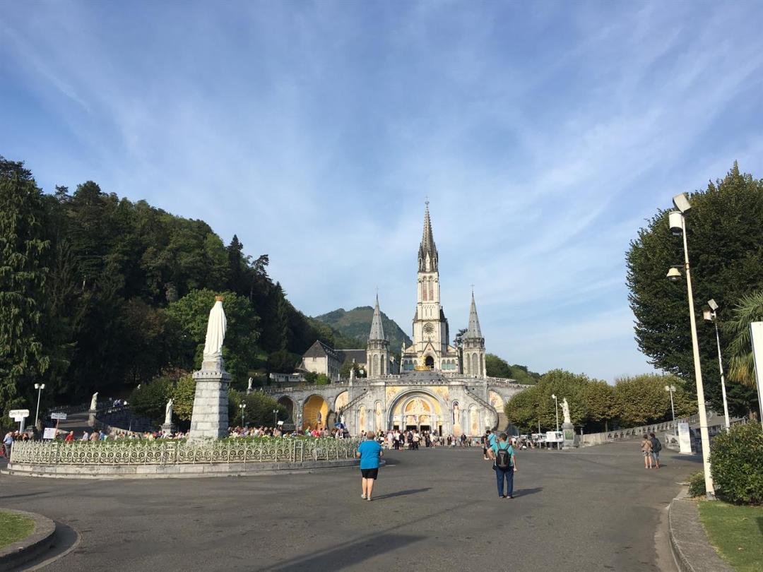 Lourdes Foto Di A Nembri