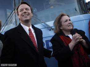 John and Elizabeth Edwards during the 2008 presidential campaign.