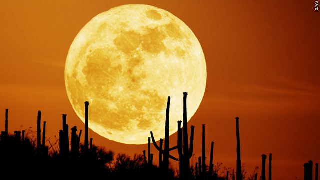The last day of summer 2010 in the Northern Hemisphere coincides with a full moon.