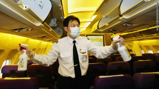 https://i0.wp.com/i.cdn.turner.com/cnn/2010/TRAVEL/12/22/bt.germs.breed.on.plane/t1larg.airplane.germs.jpg?w=550