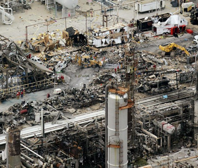 The Aftermath Of The 2005 Bp Refinery Explosion In Texas City Outside Of Houston