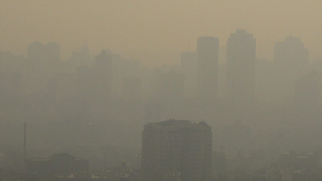 t1larg.iran.pollution.none.jpg