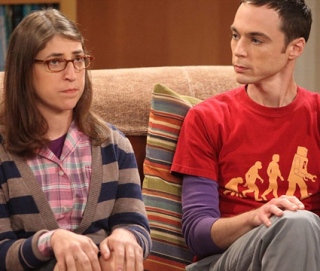 Mayim Bialik Plays Amy Farrah Fowler On The Cbs Hit Comedy The Big Bang Theory