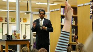 "Calvin Ramsey speaks to Atlanta schoolchildren about the ""Green Book."""