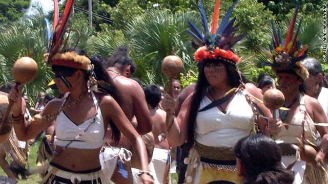 Ana María Tekina-eirú Maynard, right, dances at the 2010 Taíno Day ceremony in Puerto Rico.