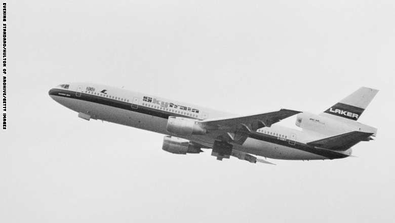 """طائرة """"دي سي 10"""" حلقت بالرحلة الأخيرة لها في العام 2014، أي بعد 43 عاماً من تحليقها للمرة الأولى في العام 1971."""
