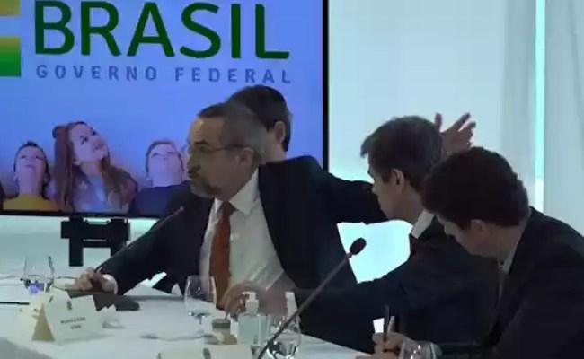 Ministro Vê Indícios De Crimes De Injúria E Difamação Na