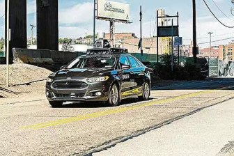 Investigações do acidente com o carro autônomo da Uber no Arizona vão demorar um mês, segundo autoridades locais (foto: Angelo Merendino/AFP )