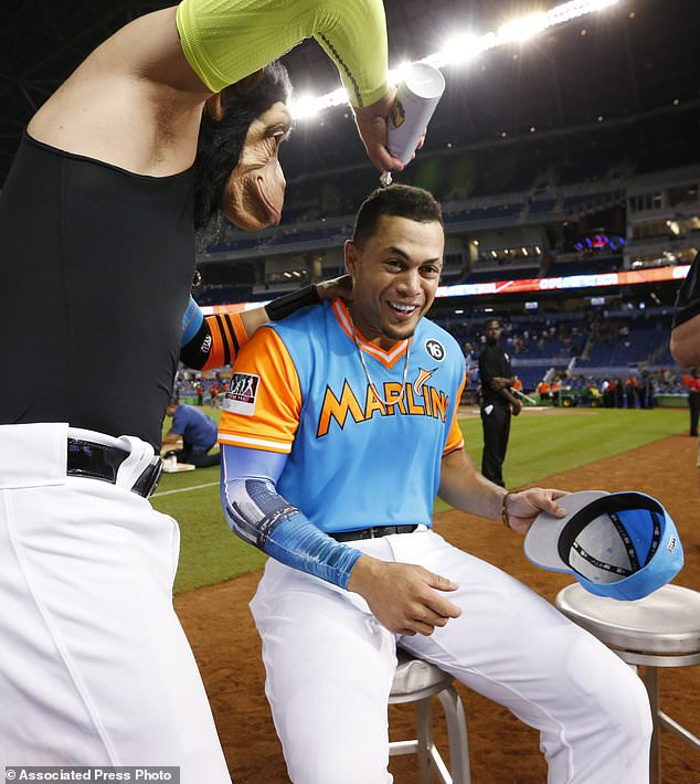 Stanton Hits No 50 To Help Marlins Beat Padres 6 2 Daily Mail Online