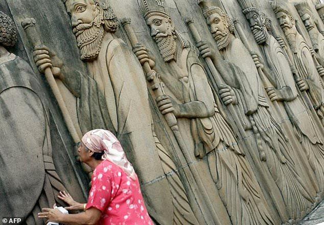 Zoroastrians say Mumbai metro will desecrate fire temples