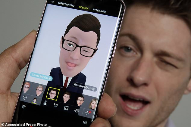 Samsung has unveiled a new feature that uses the front camera to take a selfie and make an emoji based on your looks