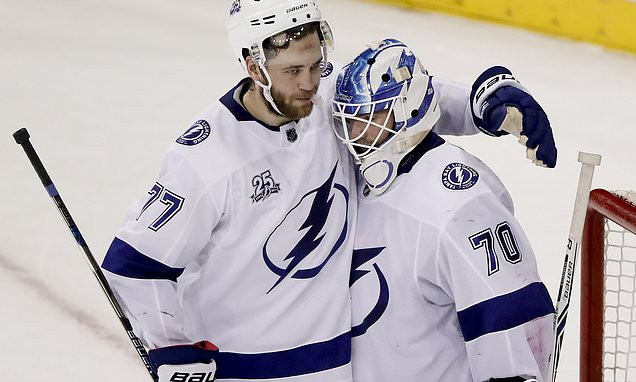 Lightning Stops 3 Game Slide With 7 3 Win Over Rangers