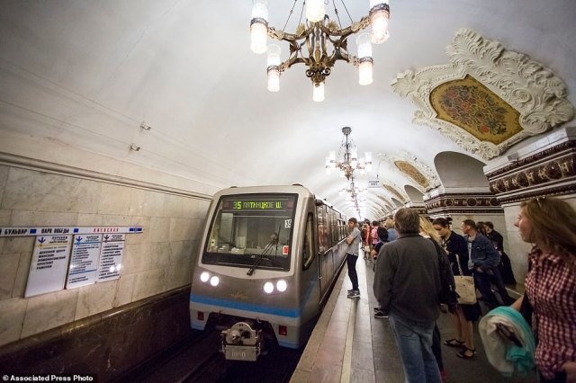 A train pulls into the station atKievskaya. The carriages are a mix ofSoviet-era cars with wooden floors and sleek, modern trains. Most of them offer free Wi-Fi