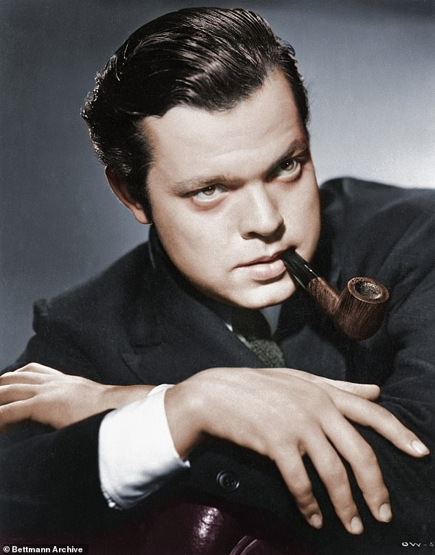 Film historian Mark Cousins goes in search of the man behind the film-making genius, Orson Welles