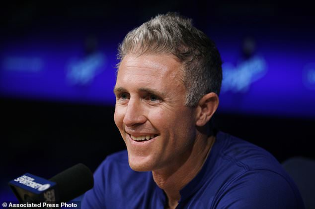 wire 3642628 1531528146 910 634x422 - Dodgers' Chase Utley to retire at season's end for family