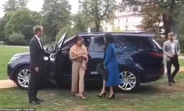 The Duchess of Sussex arrived with her mother Doria Ragland and husband Prince Harry this afternoon at Kensington Palace