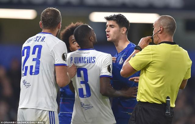 Vinicius got up close to the Chelsea striker before refereeZelinka intervened to separate the pair on the pitch