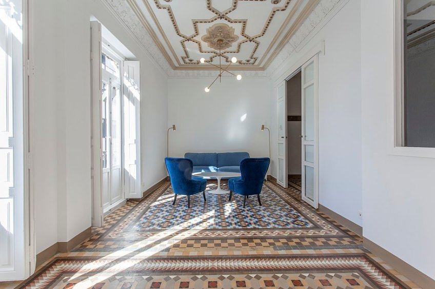 This renovated apartment in Valencia Old Town has 'exceptional finishes' and a 'beautiful' private terrace