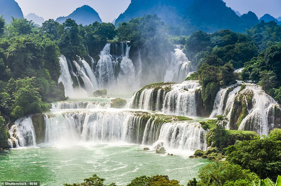 The Detian Waterfall is often referred to as Asia's largest transnational waterfall because it is located on the border between China and Vietnam. Over the past 1,000 years, the waterfall has eroded and moved slowly upstream
