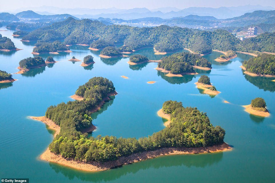 Dam is beautiful: the small islands scattered in Qiandao Lake in Zhejiang Province. The lake, a man-made freshwater lake, was formed in 1959 following the completion of the Xin & # 39; hydroelectric power plant