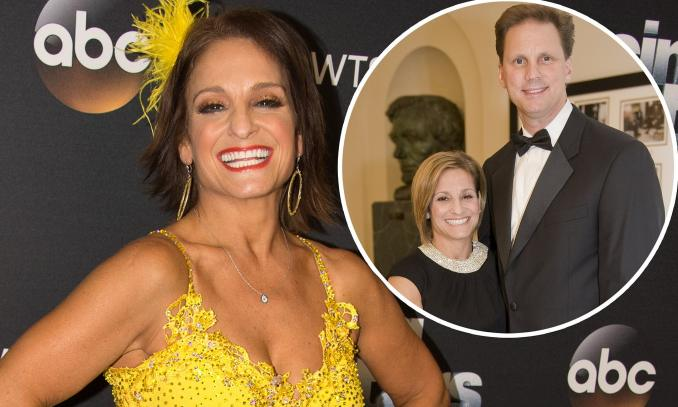 dwts star mary lou retton reveals she has divorced husband