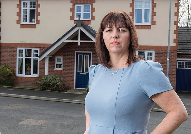 Jo Darbyshire, founder of the National Leasehold Campaign and even homeowner who had fallen into a nightmare for a lease object, was annoyed at the officials' apparent lack of action